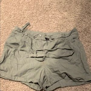 Forever21+ Army green light weight shorts!